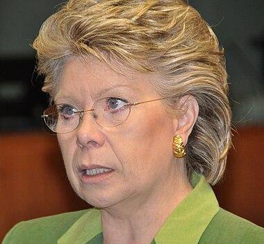 https://i0.wp.com/upload.wikimedia.org/wikipedia/commons/thumb/e/e4/Viviane_Reding.jpg/380px-Viviane_Reding.jpg