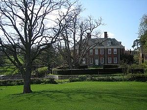 English: Acton Round Hall, near to Acton Round...