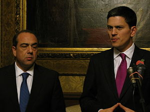 English: Foreign Secretaries David Miliband wi...