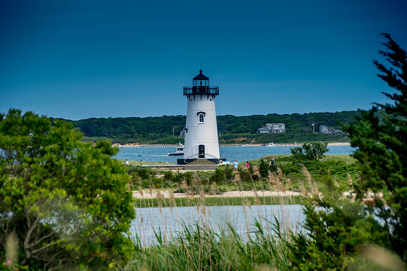 File:Edgartown Light (23040453495).jpg