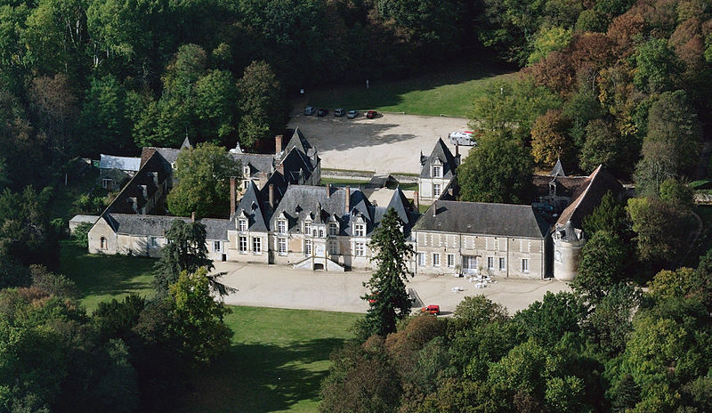 Villesavin castle, aerial view cropped