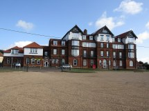 Grand Hotel Mundesley - Wikipedia