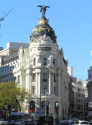 Metrópolis Building, in Gran Vía and calle de ...