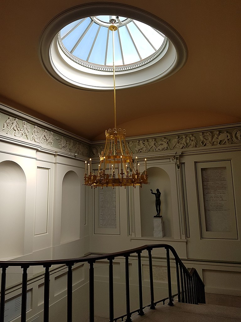 FileSkylight chandelier and stairs Ashmolean Museum