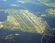 Aeropuerto de la región Rin-Meno, mejor aeropuerto de carga del mundo y el tercero de Europa en número de pasajeros después de London-Heathrow y Par�s.