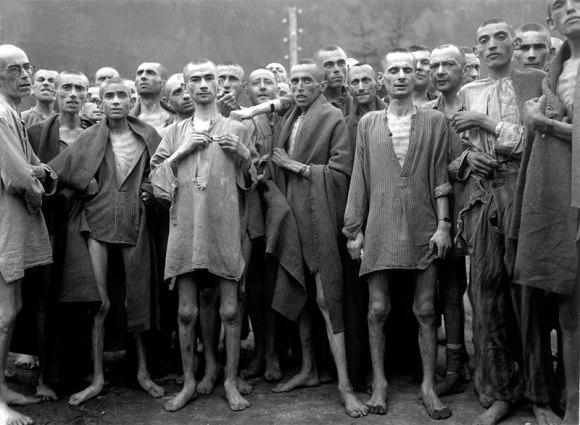 File:Ebensee concentration camp prisoners 1945.jpg