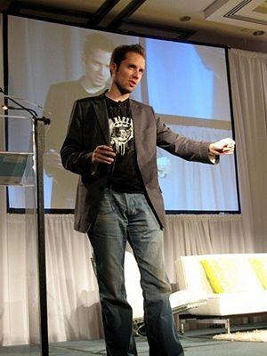 Jeremy Gutsche speaking