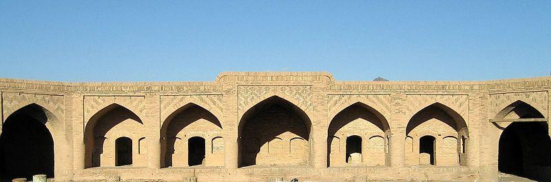 Caravansérail abandonné à Neyestānak, en Iran