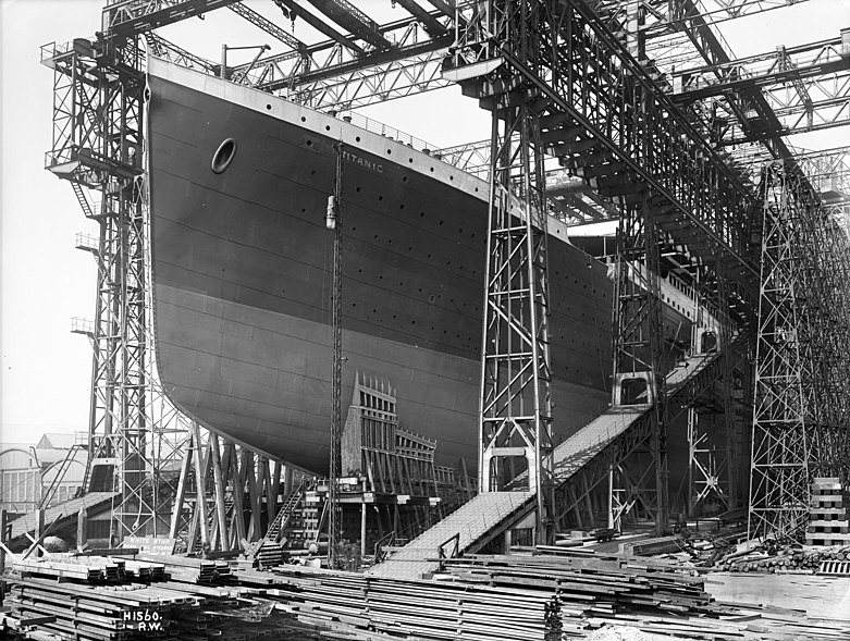 File:RMS Titanic ready for launch, 1911.jpg