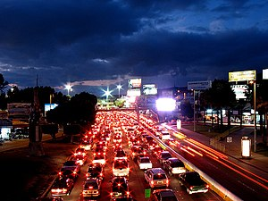 English: Traffic at the San Ysidro Port of Ent...
