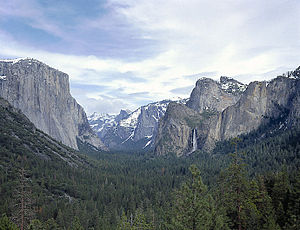Yosemite Valley from Tunnel View, Yosemite Nat...