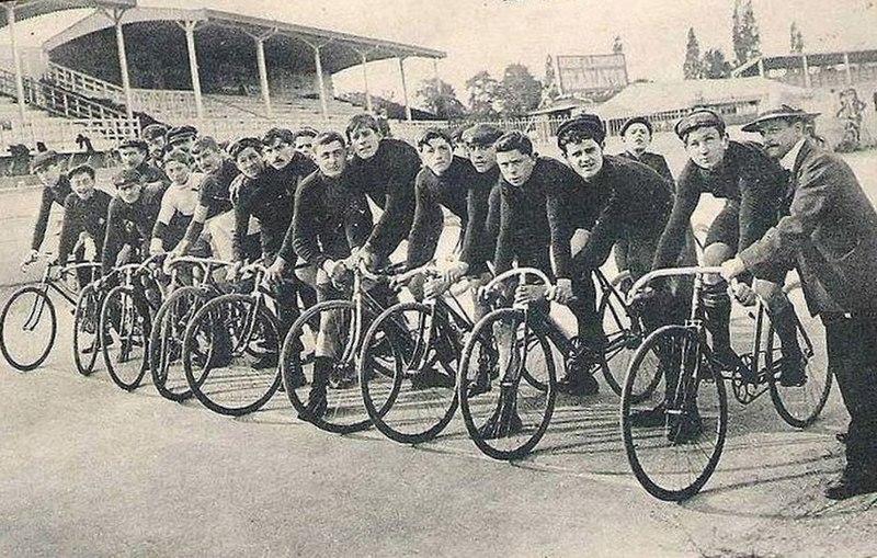 File:Vélodrome Parc des Princes.jpg