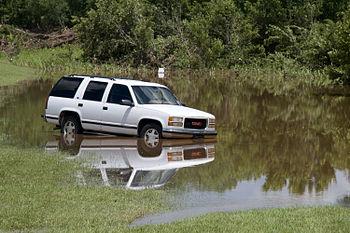 English: Edmund, OK, June 15, 2010 --A car lie...
