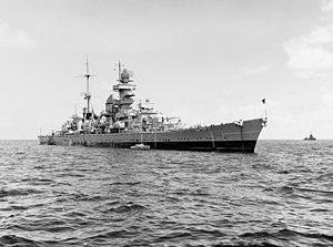 Deutsch: Prinz Eugen ankert im Atomtestgebiet ...