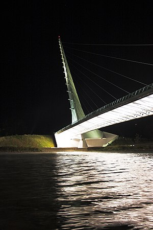 English: Sundial Bridge By: Nathan Soliz Locat...