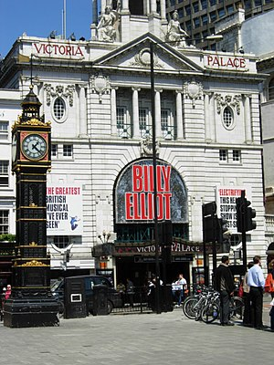English: Little Ben and Victoria Palace Theatr...