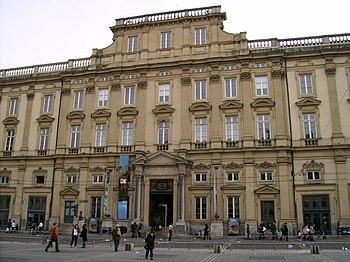 Palais St Pierre façade Terreaux Lyon 1 Musée ...
