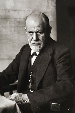 https://i0.wp.com/upload.wikimedia.org/wikipedia/commons/thumb/e/e9/Sigmund_Freud_1926.jpg/240px-Sigmund_Freud_1926.jpg