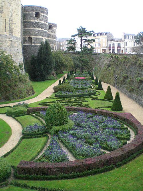 Château angers jardin interieur multiple