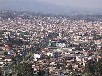 English: View of Cuenca (Ecuador) from the hil...