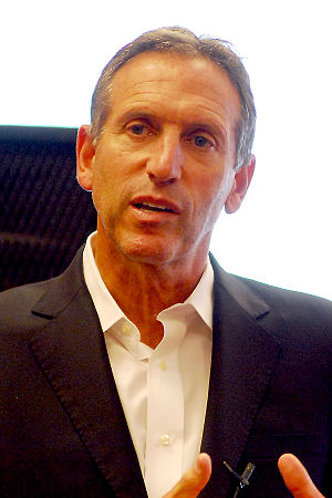 English: Starbucks CEO, Howard Schultz, book d...
