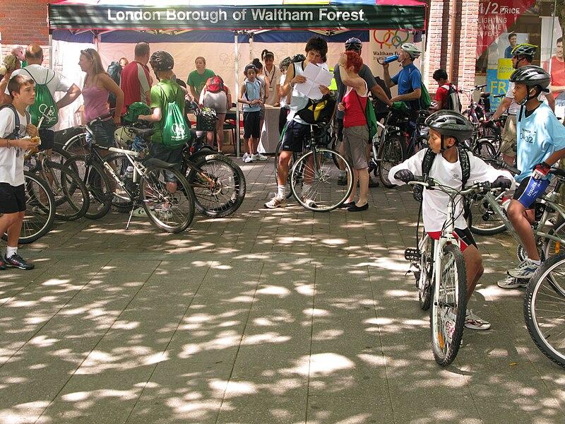 Biciclette e pedoni a Londra