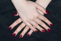 Artificial nails - Wikipedia