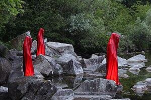 Trauner-auen-contemporary-light-art-sculpture-...
