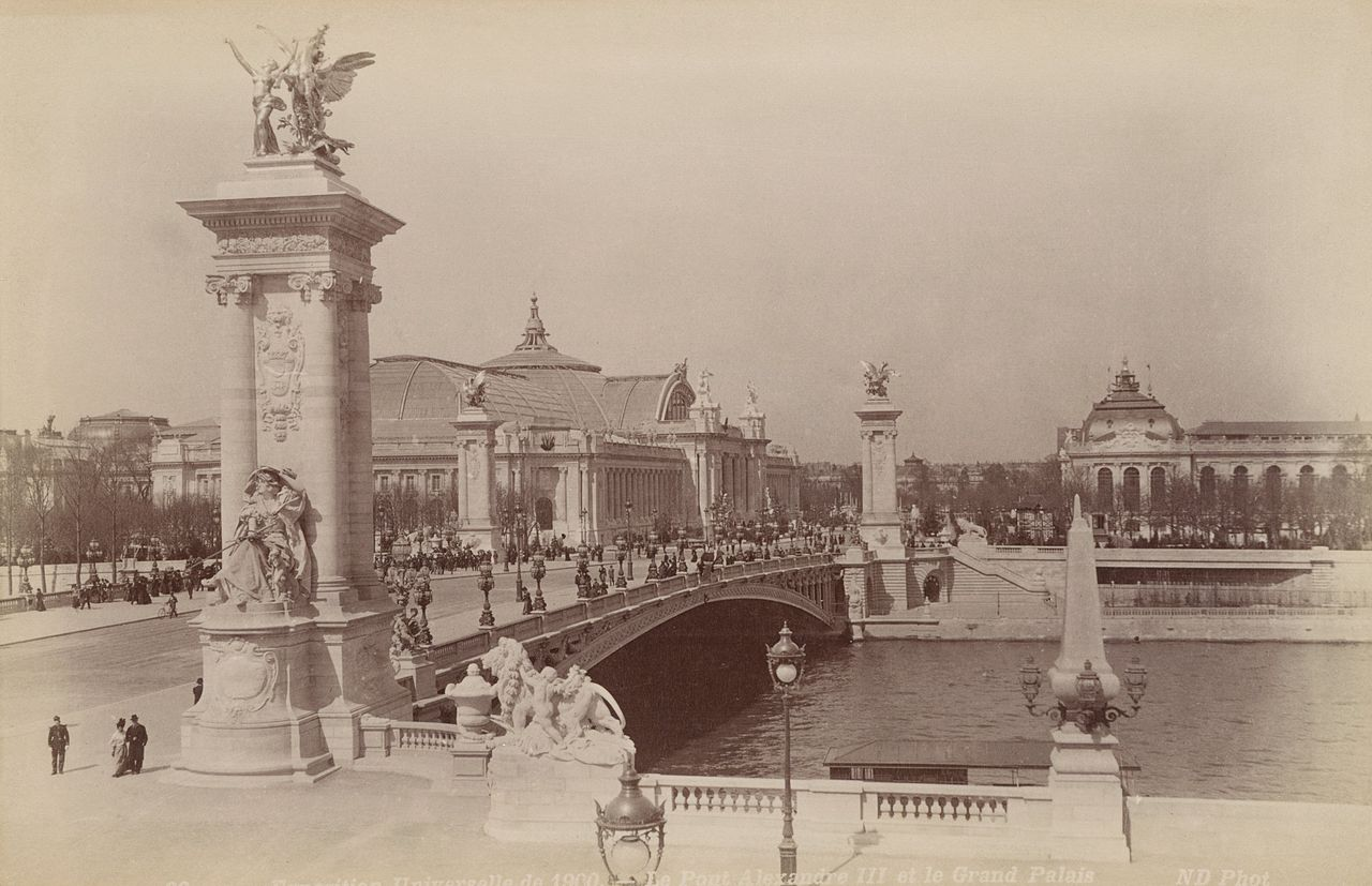 FileLe pont Alexandre III et le Grand Palais Exposition Universelle 1900jpg  Wikimedia Commons