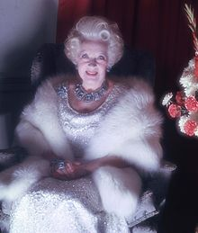 Dame Barbara Cartland Allan Warren.jpg