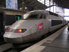 File:SNCF TGV-R 526 at Paris Gare du Nord.JPG