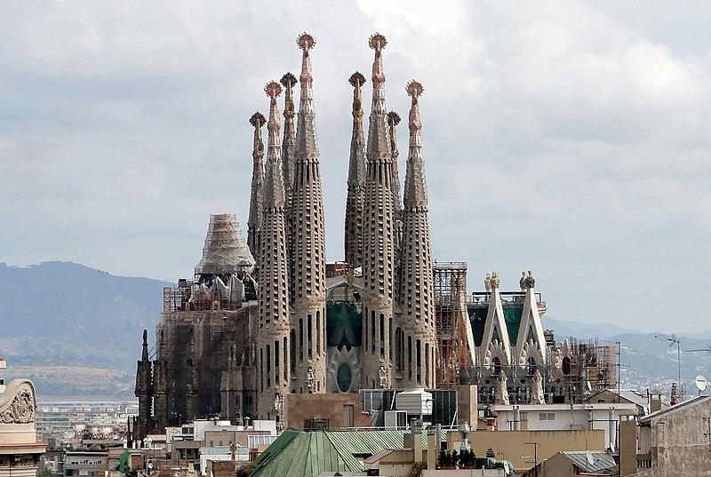 File:Sagrada Familia 01.jpg