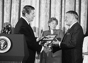 Sinatra is awarded the Presidential Medal of F...