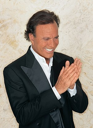 English: Julio Iglesias