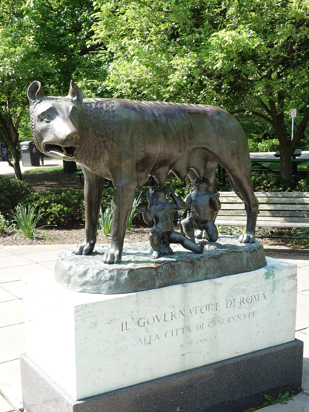 Capitoline Wolf Statue Cincinnati Wikipedia
