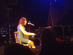 Regina Spektor playing in the West London Syna...