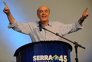 Curitiba - O candidato do PSDB, José Serra, co...