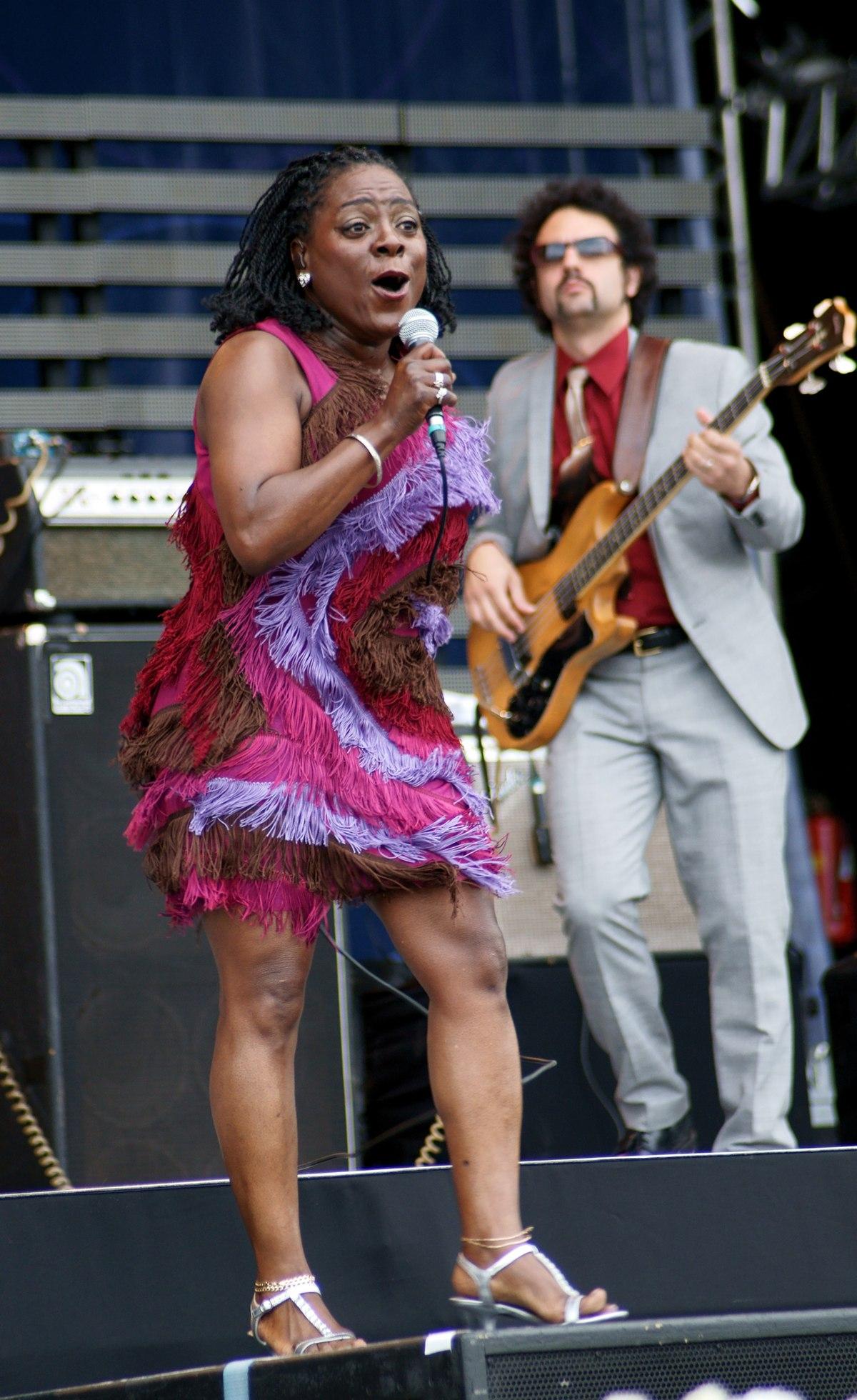 Sharon Jones zangeres  Wikipedia