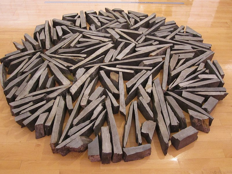 File:South Bank Circle by Richard Long, Tate Liverpool.jpg