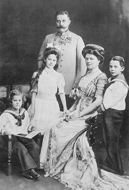 Archduke Franz Ferdinand (right) with his wife Sophie, Duchess of Hohenberg and their three children.