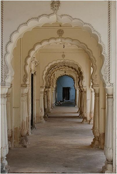 File:Archway in Paigah tombs.JPG