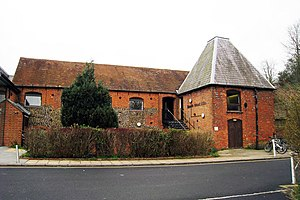 English: Farnham Maltings, Bridge Square, Farn...