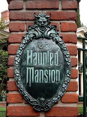English: Sign for the Haunted Mansion at Disne...