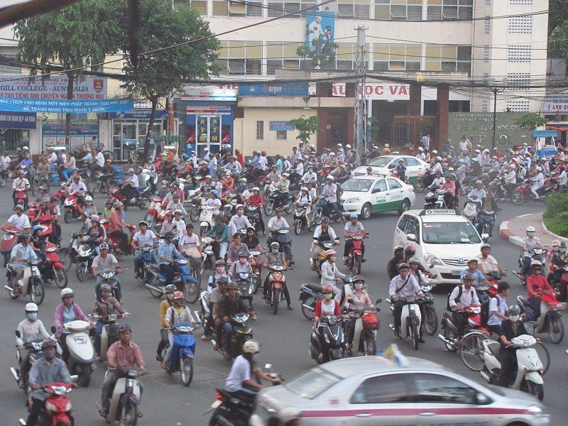 Datei:Traffic in HCMC.JPG – Wikipedia