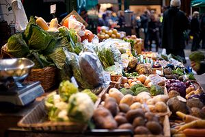 English: A vegetable stall at Borough Market i...