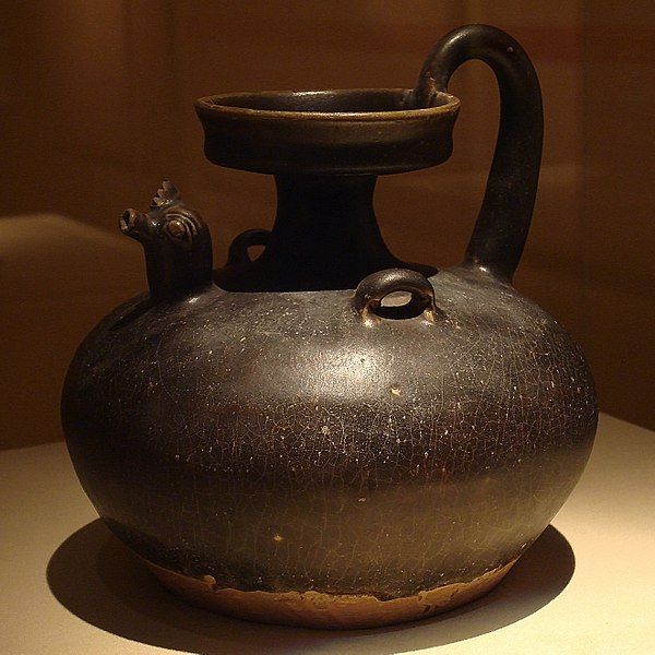 File:CMOC Treasures of Ancient China exhibit - black glazed jug with rooster head.jpg