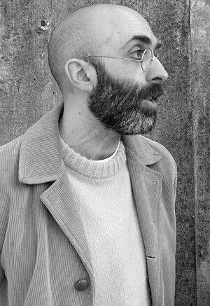 English: Writer Eduardo Halfon Español: Escrit...