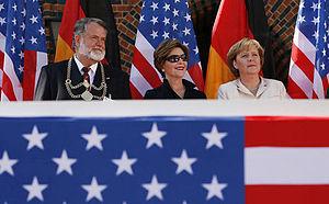Lastovka-L.Bush-Merkel