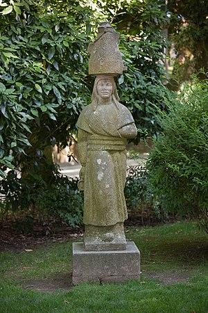 Galego: Estatua de leiteira. Santiago de Compo...