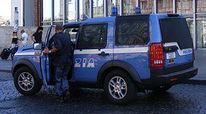 English: Polizia di Stato Land Rover Discovery...